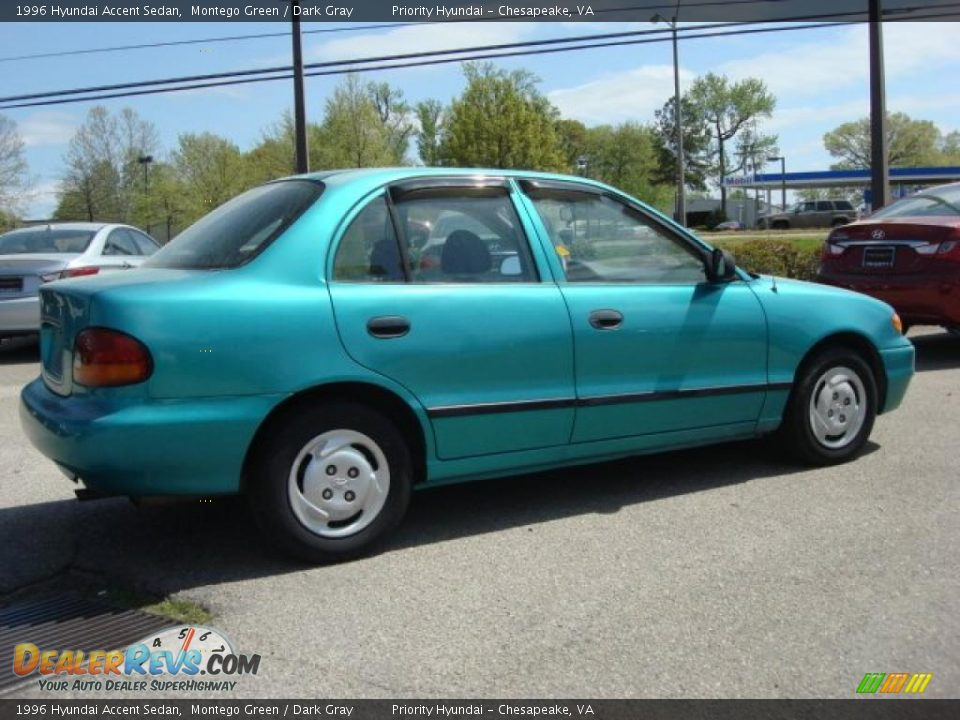 Montego Green 1996 Hyundai Accent Sedan Photo 4
