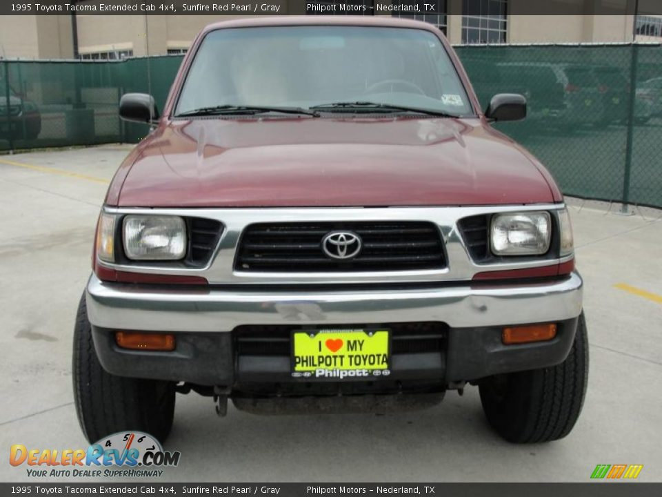 1995 toyota tacoma extended cab 4x4 sunfire red pearl gray photo 8. Black Bedroom Furniture Sets. Home Design Ideas