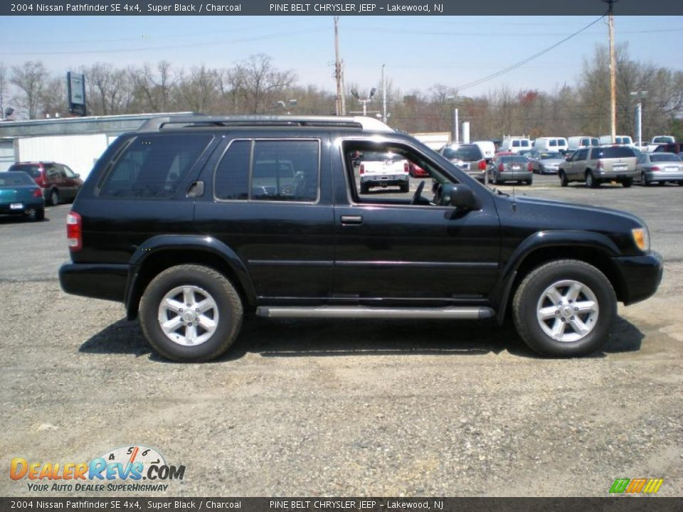 2004 Nissan Pathfinder Se 4x4 Super Black Charcoal Photo