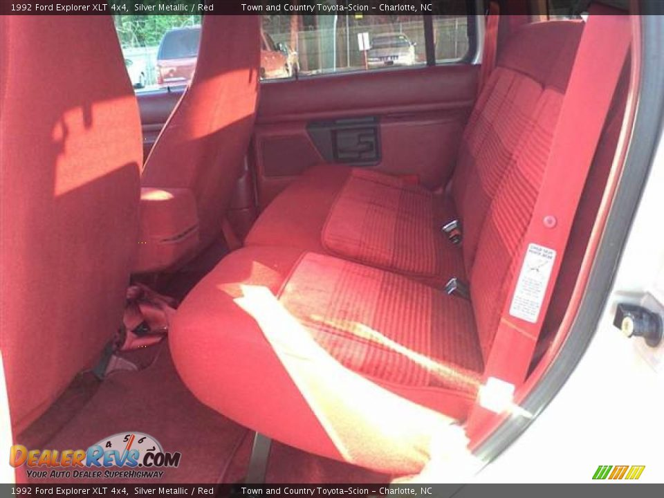 Red Interior - 1992 Ford Explorer XLT 4x4 Photo #7 | DealerRevs.com