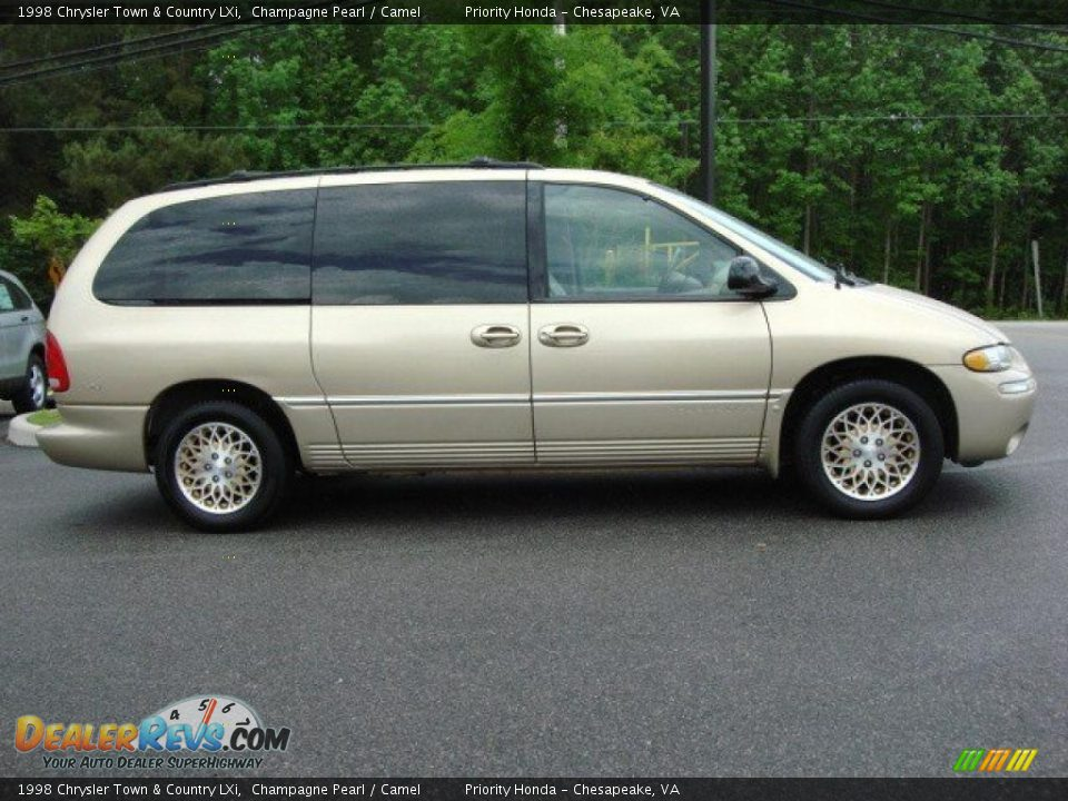 1998 chrysler town country lxi champagne pearl camel photo 5. Black Bedroom Furniture Sets. Home Design Ideas