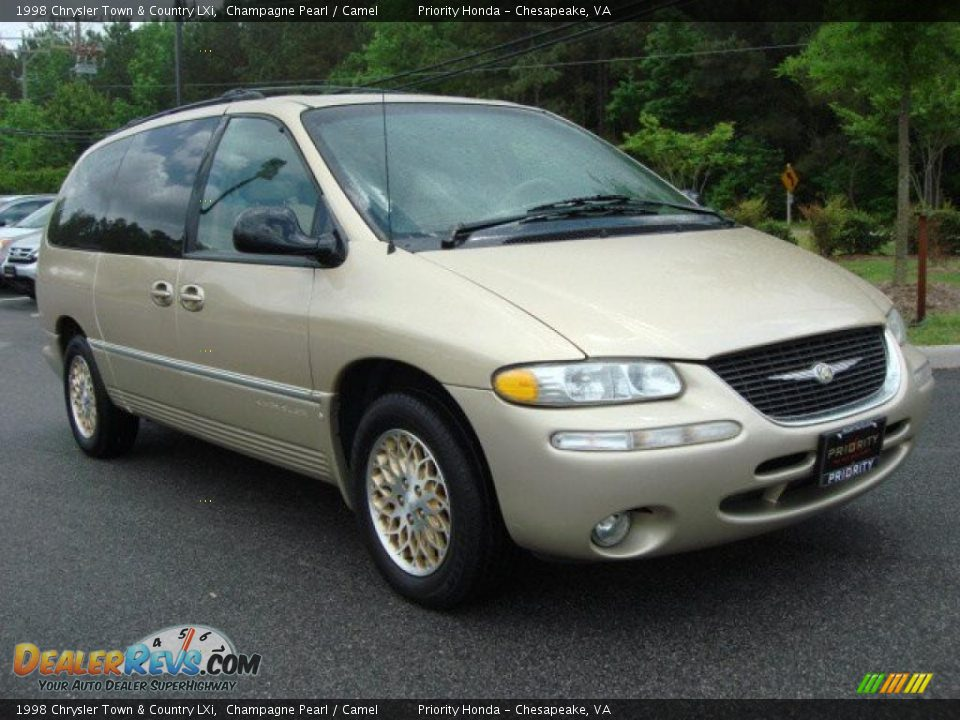 1998 chrysler town country lxi champagne pearl camel photo 6. Black Bedroom Furniture Sets. Home Design Ideas