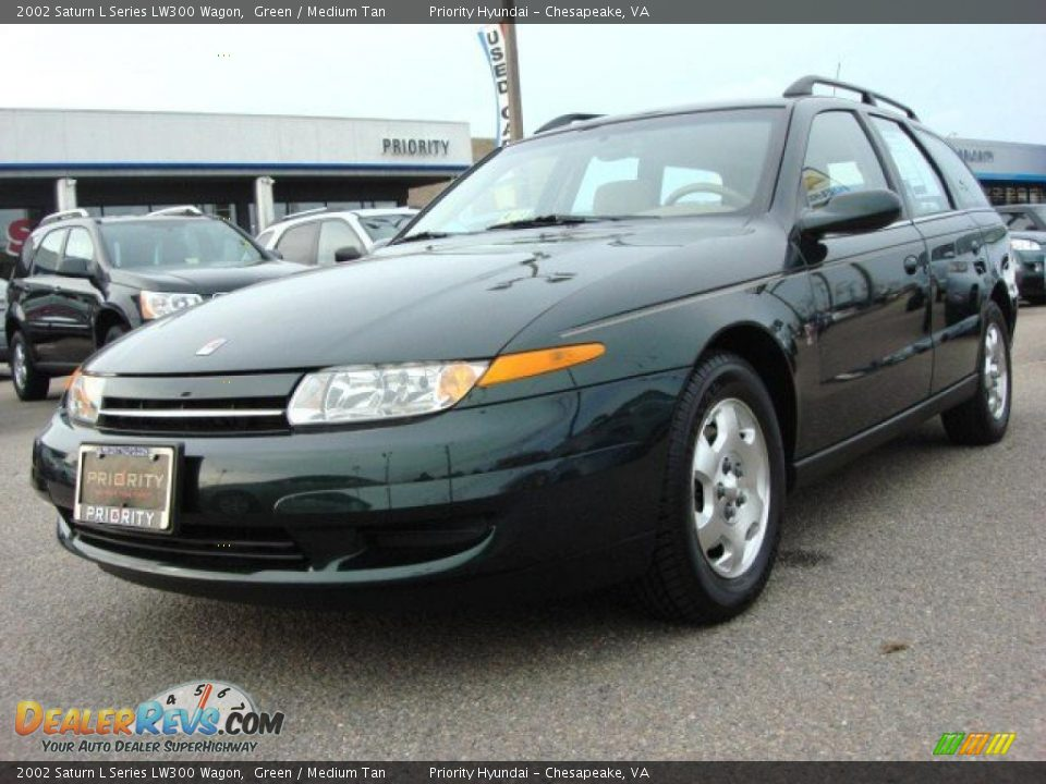 2002 saturn l series lw300 wagon green medium tan photo 1. Black Bedroom Furniture Sets. Home Design Ideas