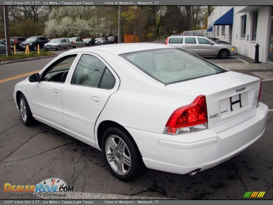 2007 volvo s60 2 5t ice white taupe light taupe photo 8. Black Bedroom Furniture Sets. Home Design Ideas