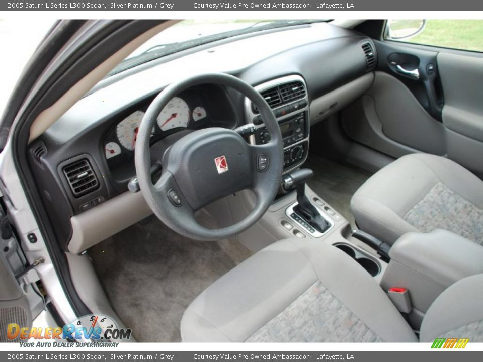Grey Interior 2005 Saturn L Series L300 Sedan Photo 13