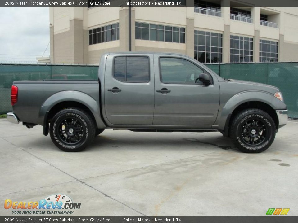 storm gray 2009 nissan frontier se crew cab 4x4 photo 2. Black Bedroom Furniture Sets. Home Design Ideas