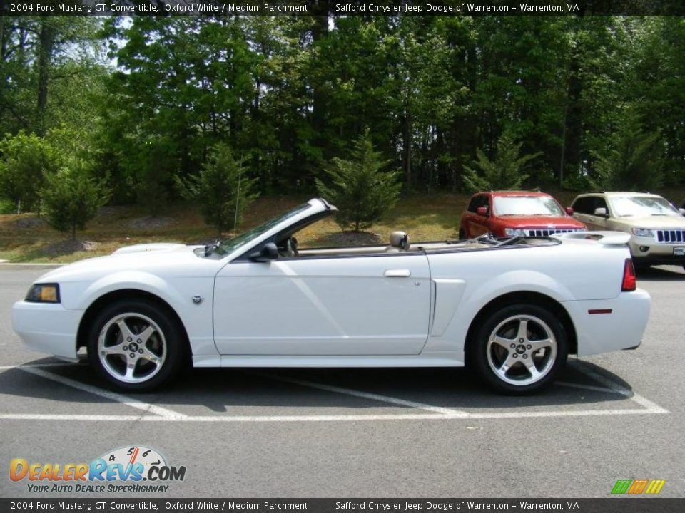2004 ford mustang gt convertible oxford white medium. Black Bedroom Furniture Sets. Home Design Ideas