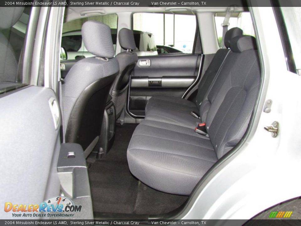 Charcoal Gray Interior 2004 Mitsubishi Endeavor Ls Awd Photo 12