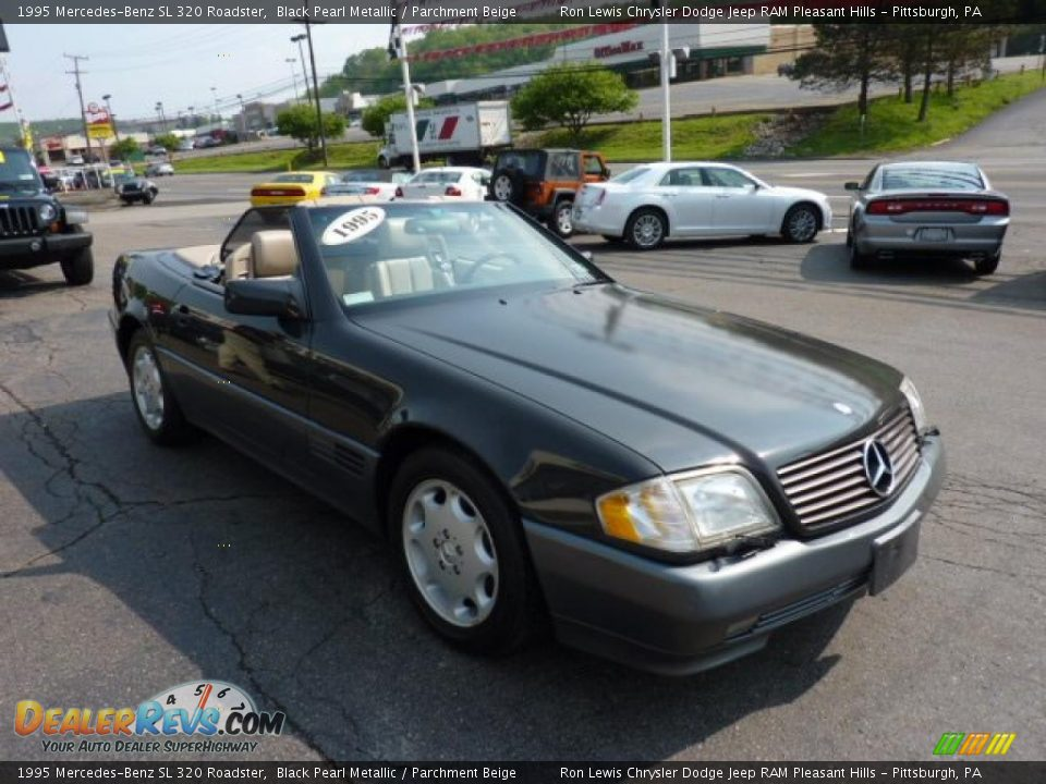 1995 mercedes benz sl 320 roadster black pearl metallic parchment beige photo 4. Black Bedroom Furniture Sets. Home Design Ideas