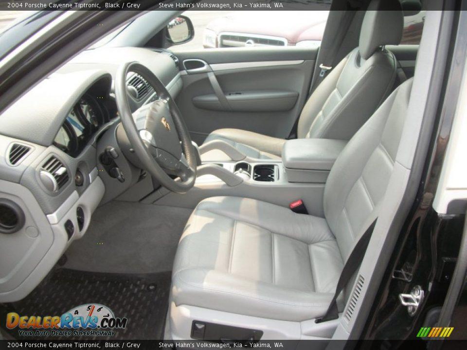 Grey Interior 2004 Porsche Cayenne Tiptronic Photo 3