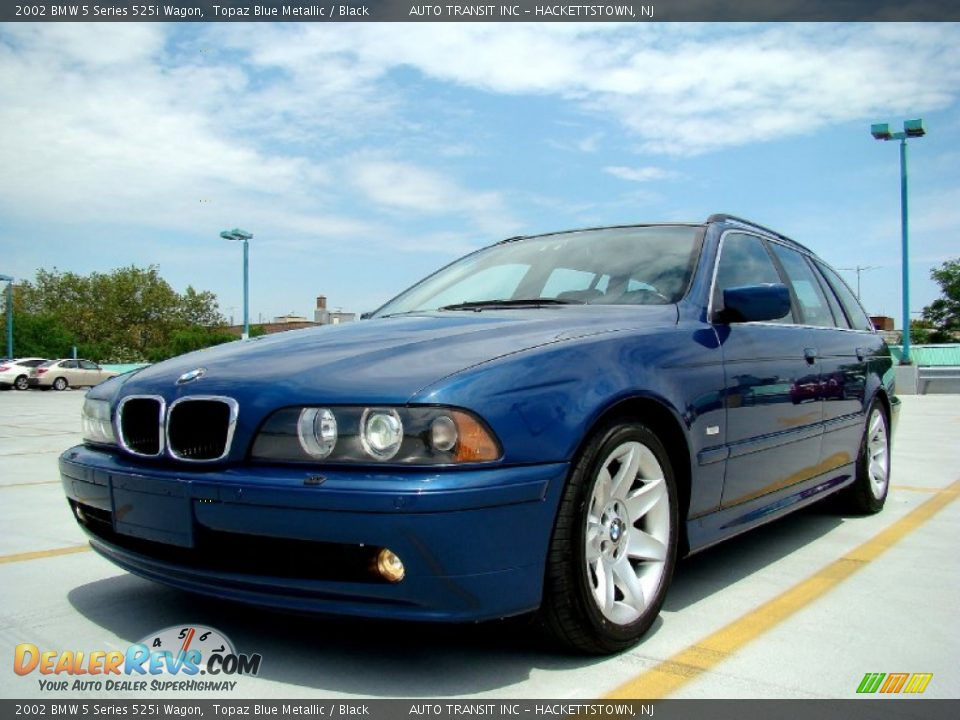 front 3 4 view of 2002 bmw 5 series 525i wagon photo 4. Black Bedroom Furniture Sets. Home Design Ideas