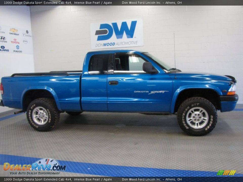 1999 dodge dakota sport extended cab 4x4 intense blue. Black Bedroom Furniture Sets. Home Design Ideas