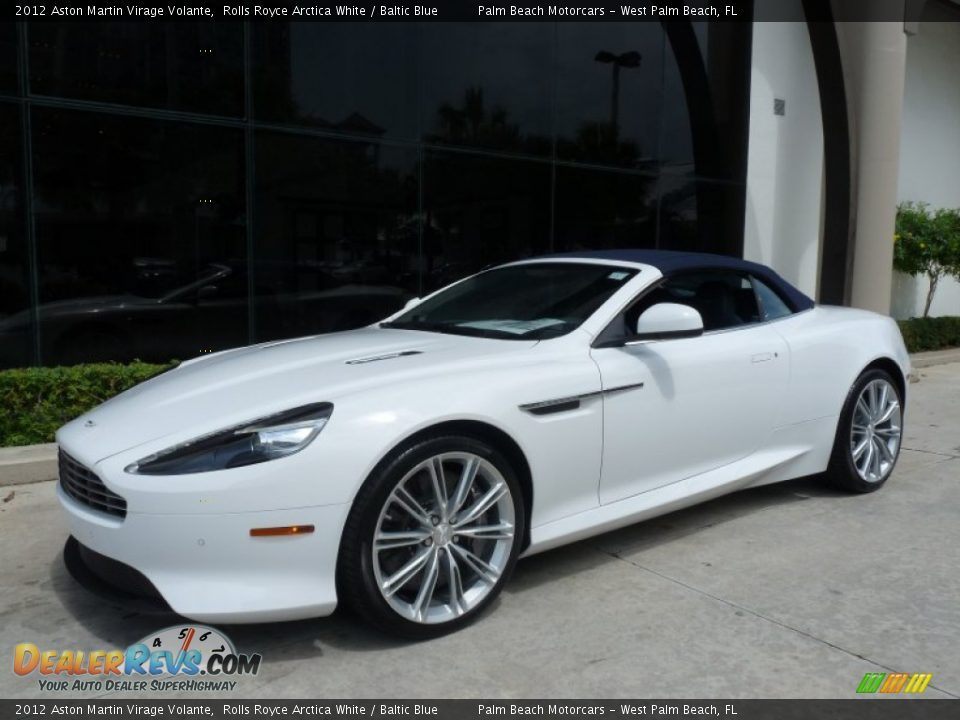 Front 3/4 View of 2012 Aston Martin Virage Volante Photo #4