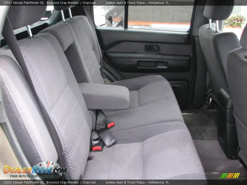 charcoal interior 2002 nissan pathfinder se photo 12 dealerrevs com dealerrevs com