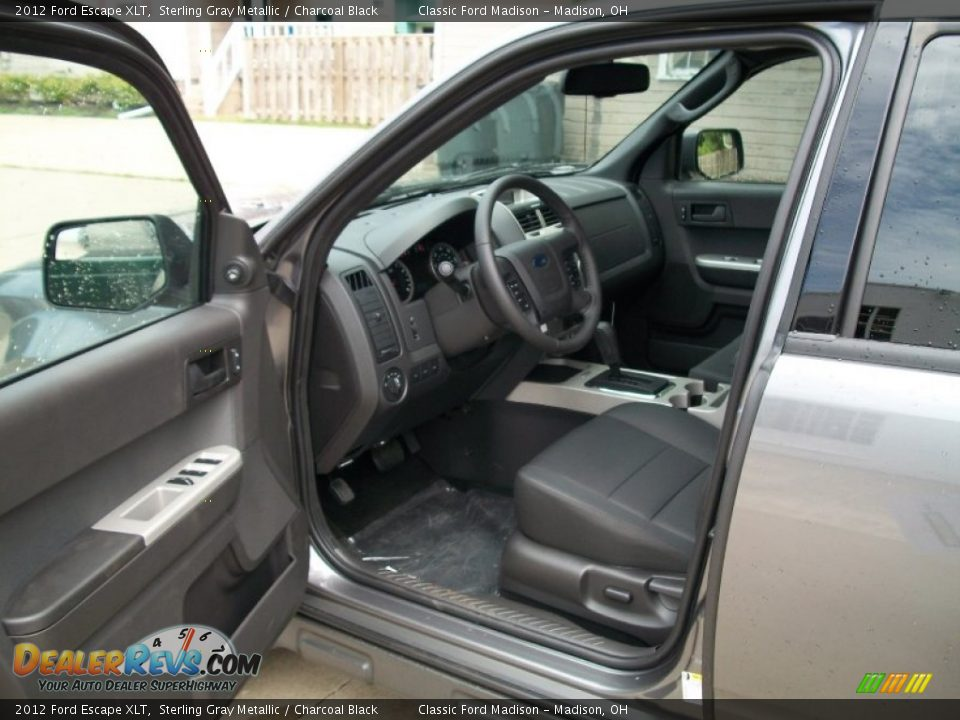 charcoal black interior 2012 ford escape xlt photo 9. Black Bedroom Furniture Sets. Home Design Ideas