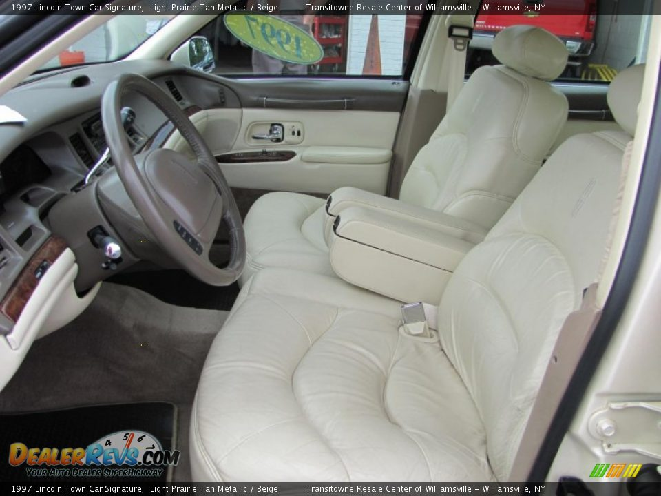Beige Interior 1997 Lincoln Town Car Signature Photo 11
