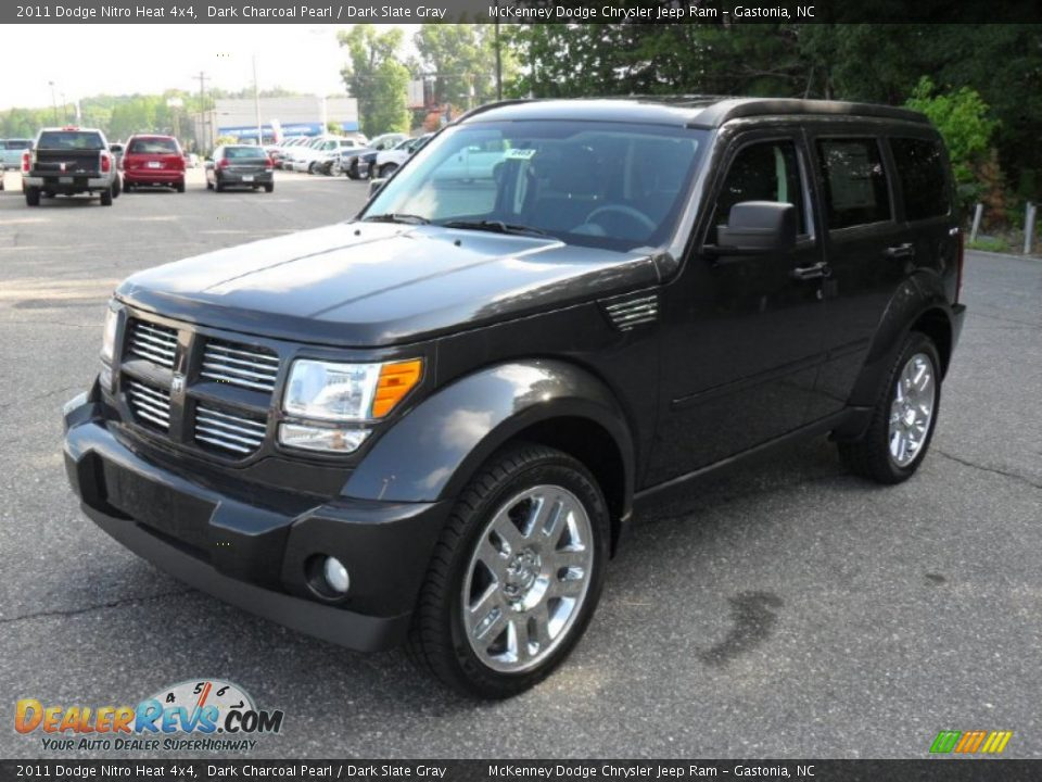 2011 dodge nitro heat 4x4 dark charcoal pearl dark slate gray photo 1. Black Bedroom Furniture Sets. Home Design Ideas