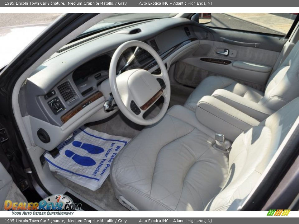 Grey Interior 1995 Lincoln Town Car Signature Photo 5