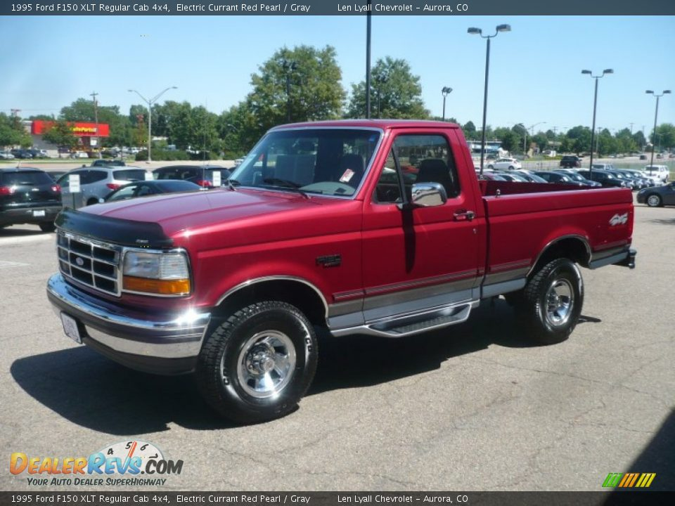 Front 3 4 View Of 1995 Ford F150 Xlt Regular Cab 4x4 Photo