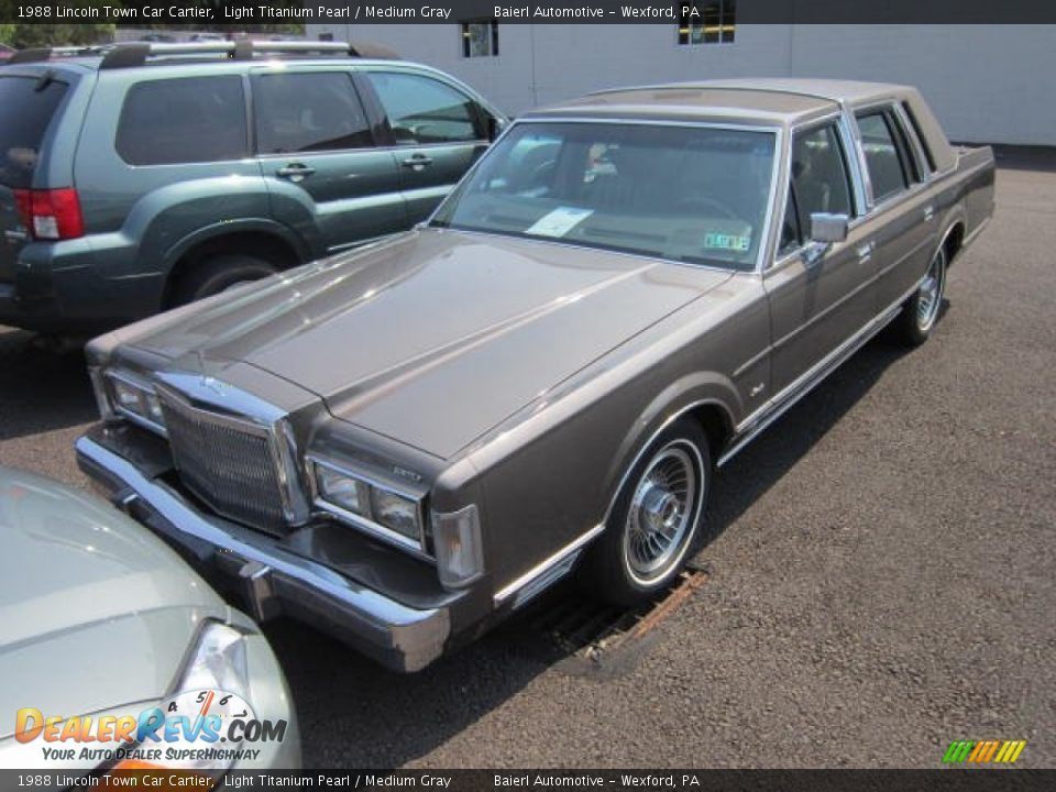 New Lincoln Town Cars Lincoln Town Car Chauffeured New