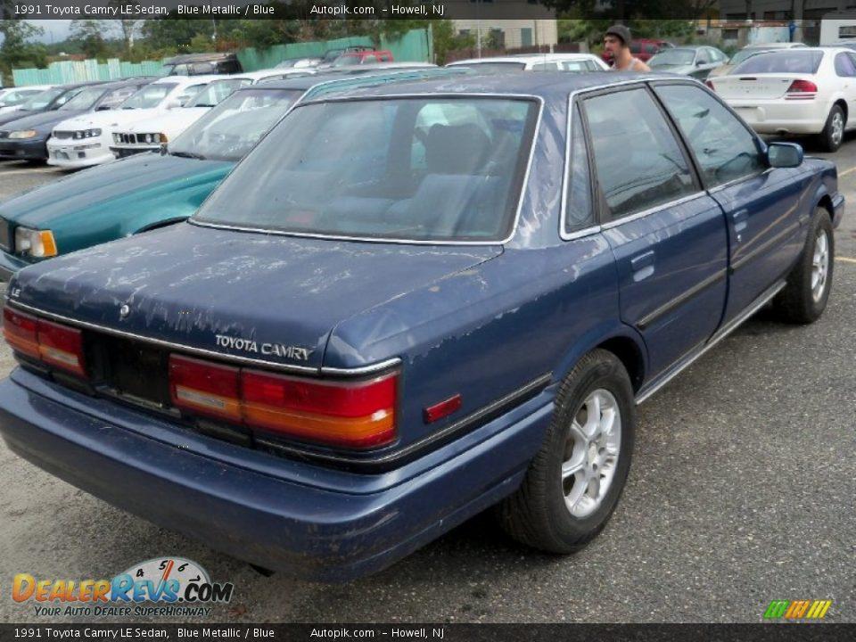 1991 Toyota Camry Le Sedan Blue Metallic Blue Photo 6