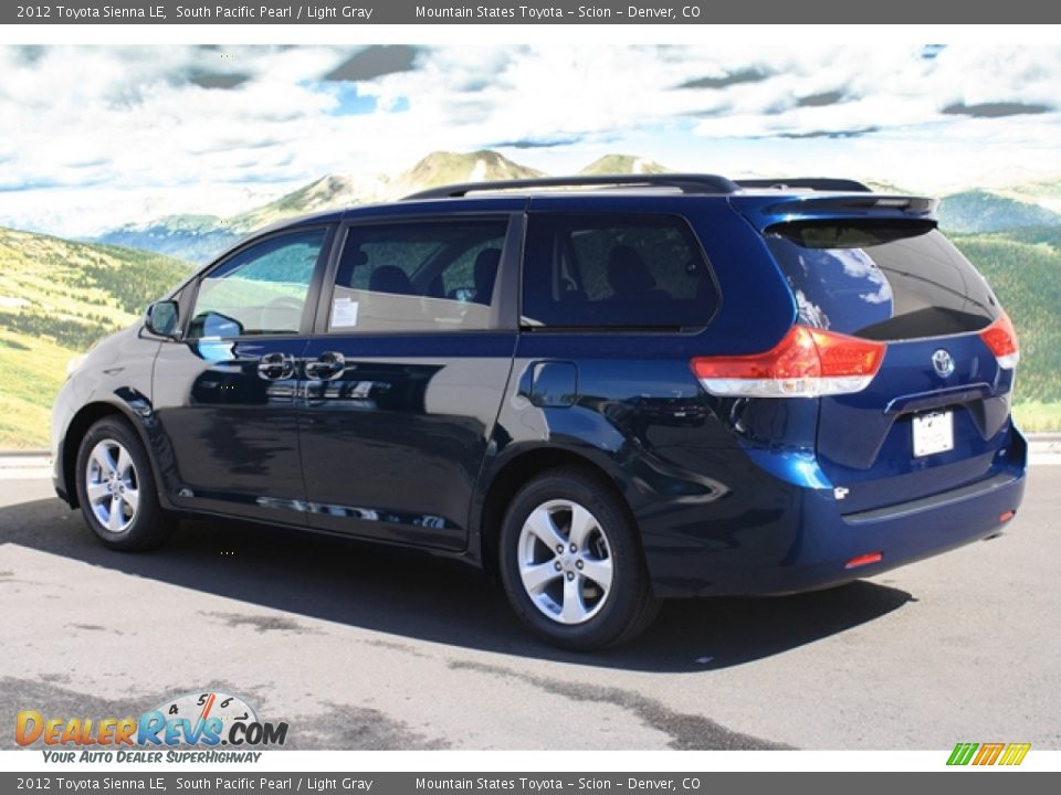 2012 Toyota Sienna Le South Pacific Pearl Light Gray