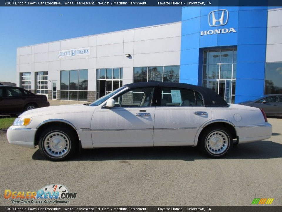 2000 lincoln town car executive white pearlescent tri coat for State motors lincoln dealer manchester nh