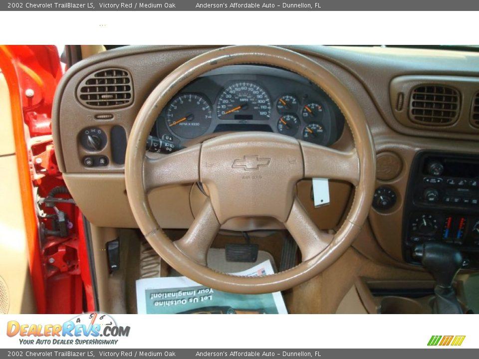 2002 Chevrolet TrailBlazer LS Victory Red / Medium Oak Photo #12 ...