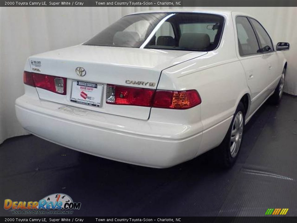 2000 Toyota Camry LE Super White / Gray Photo #16 ...