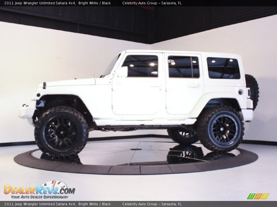2011 Jeep Wrangler Unlimited Sahara 4x4 Bright White