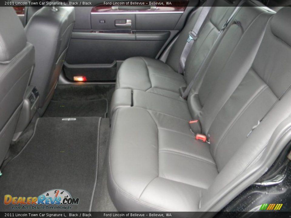 Black Interior 2011 Lincoln Town Car Signature L Photo