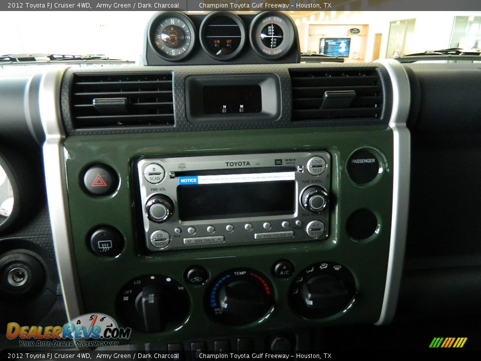 Audio System Of 2012 Toyota Fj Cruiser 4wd Photo 12