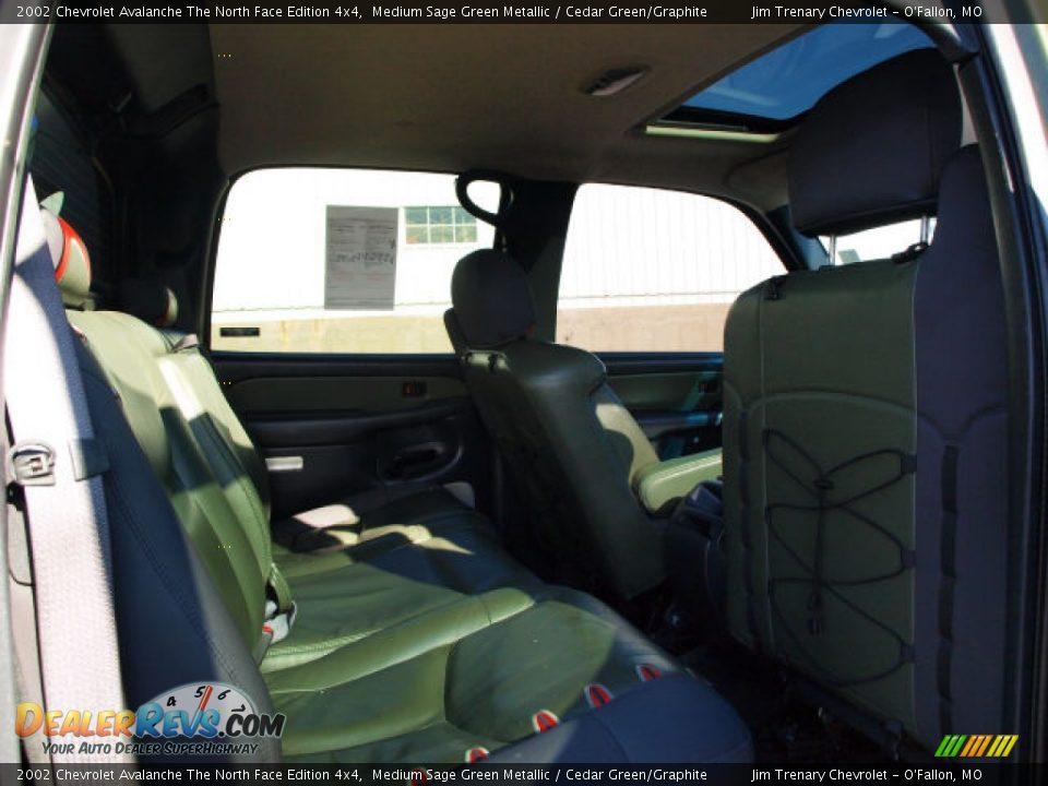 cedar green graphite interior 2002 chevrolet avalanche. Black Bedroom Furniture Sets. Home Design Ideas