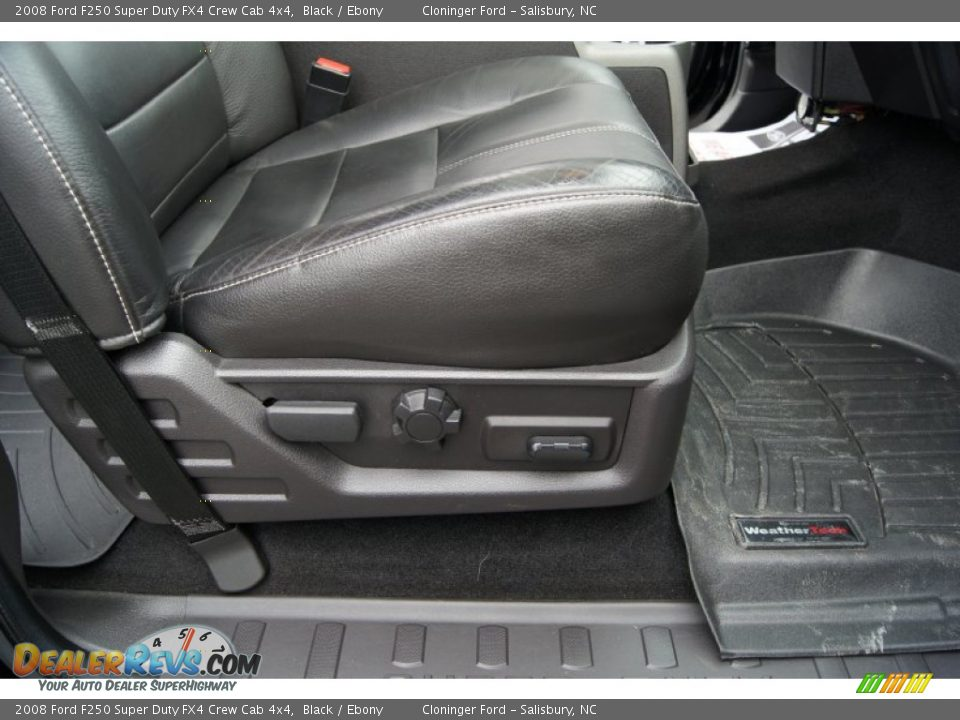 Front Seat of 2008 Ford F250 Super Duty FX4 Crew Cab 4x4 Photo #11