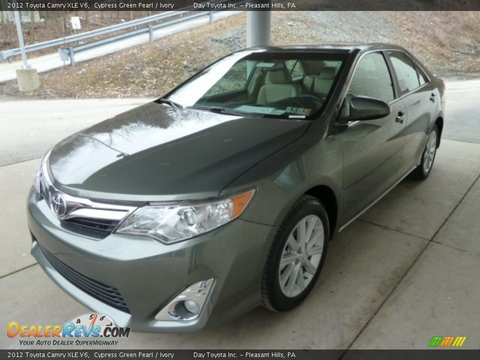 2012 toyota camry xle v6 cypress green pearl ivory photo 5. Black Bedroom Furniture Sets. Home Design Ideas