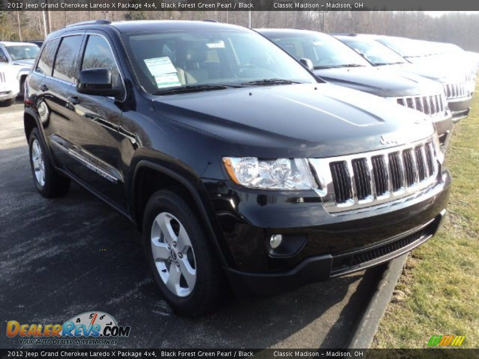 2012 jeep grand cherokee laredo x package 4x4 black forest green pearl black photo 2. Black Bedroom Furniture Sets. Home Design Ideas