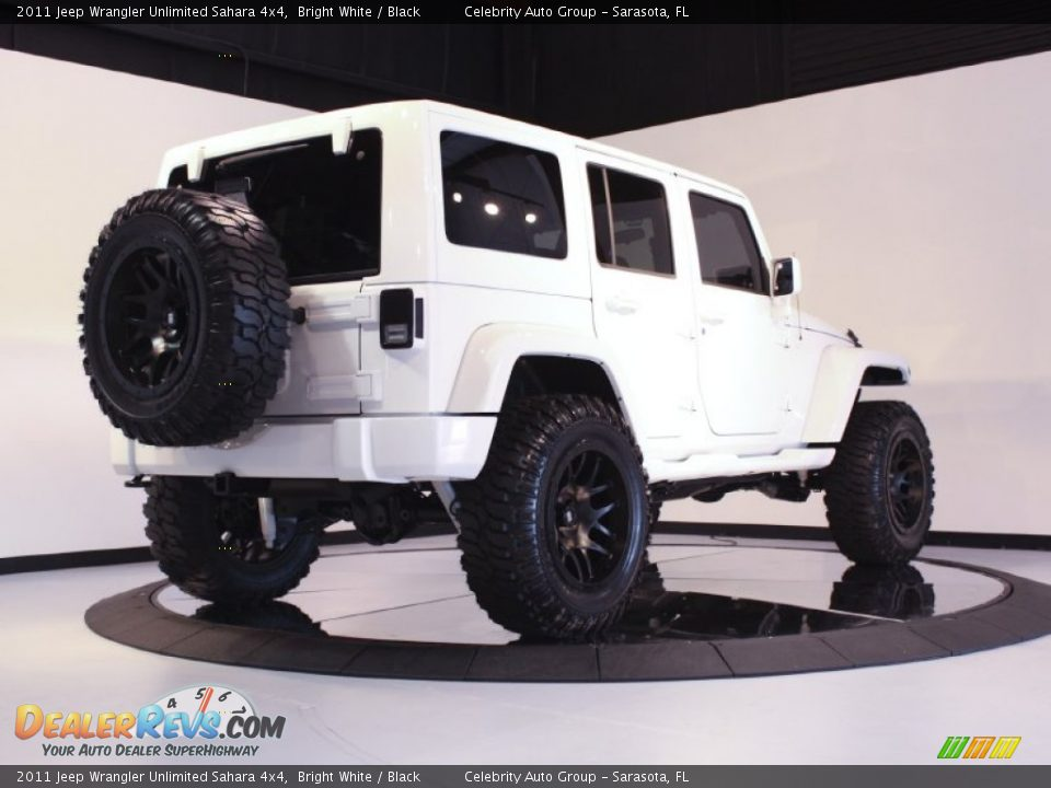 Jeep Wrangler Unlimited Sahara White