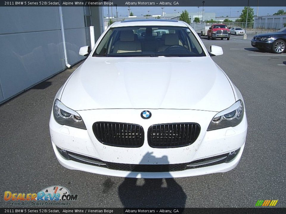 2011 bmw 5 series 528i sedan alpine white venetian beige photo 3. Black Bedroom Furniture Sets. Home Design Ideas