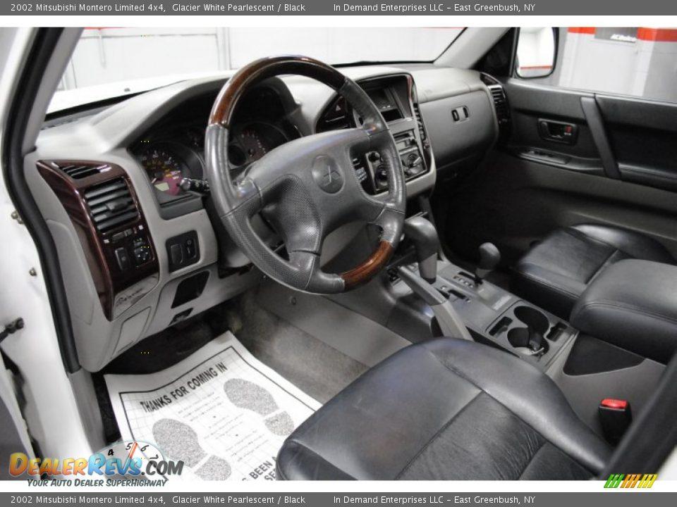 Black interior 2002 mitsubishi montero limited 4x4 photo for Mitsubishi montero interior