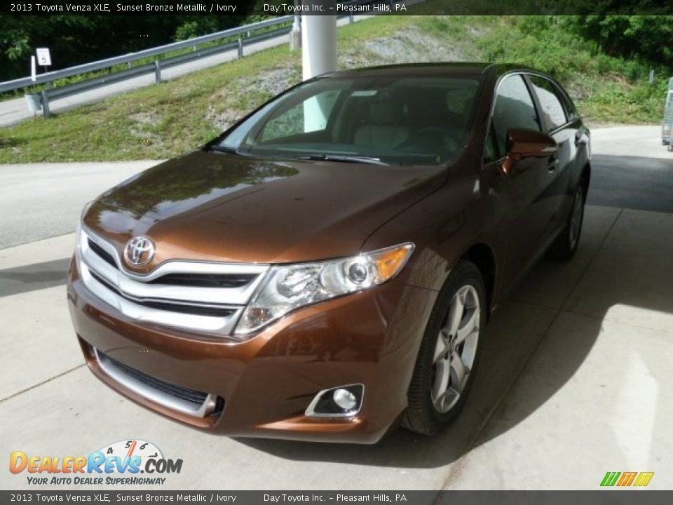 2013 toyota venza xle sunset bronze metallic ivory photo. Black Bedroom Furniture Sets. Home Design Ideas