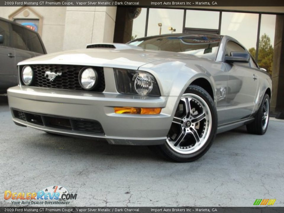 2009 ford mustang gt premium coupe vapor silver metallic dark charcoal photo 2. Black Bedroom Furniture Sets. Home Design Ideas