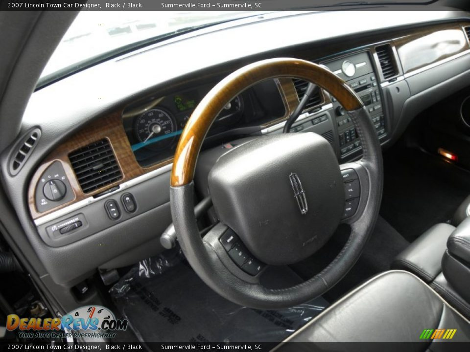 black interior 2007 lincoln town car designer photo 4. Black Bedroom Furniture Sets. Home Design Ideas