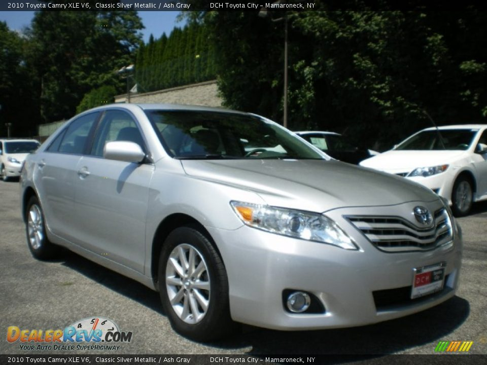 2010 toyota camry xle v6 classic silver metallic ash gray photo 5. Black Bedroom Furniture Sets. Home Design Ideas