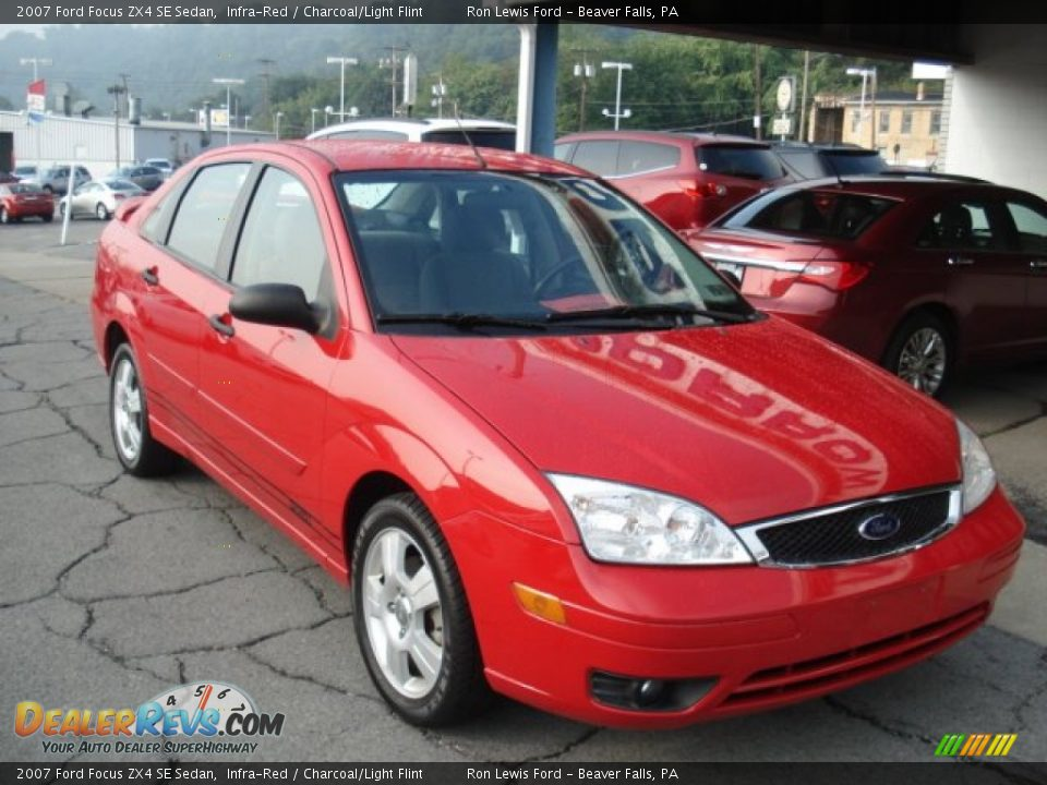2007 ford focus zx4 se sedan infra red charcoal light flint photo 2. Black Bedroom Furniture Sets. Home Design Ideas