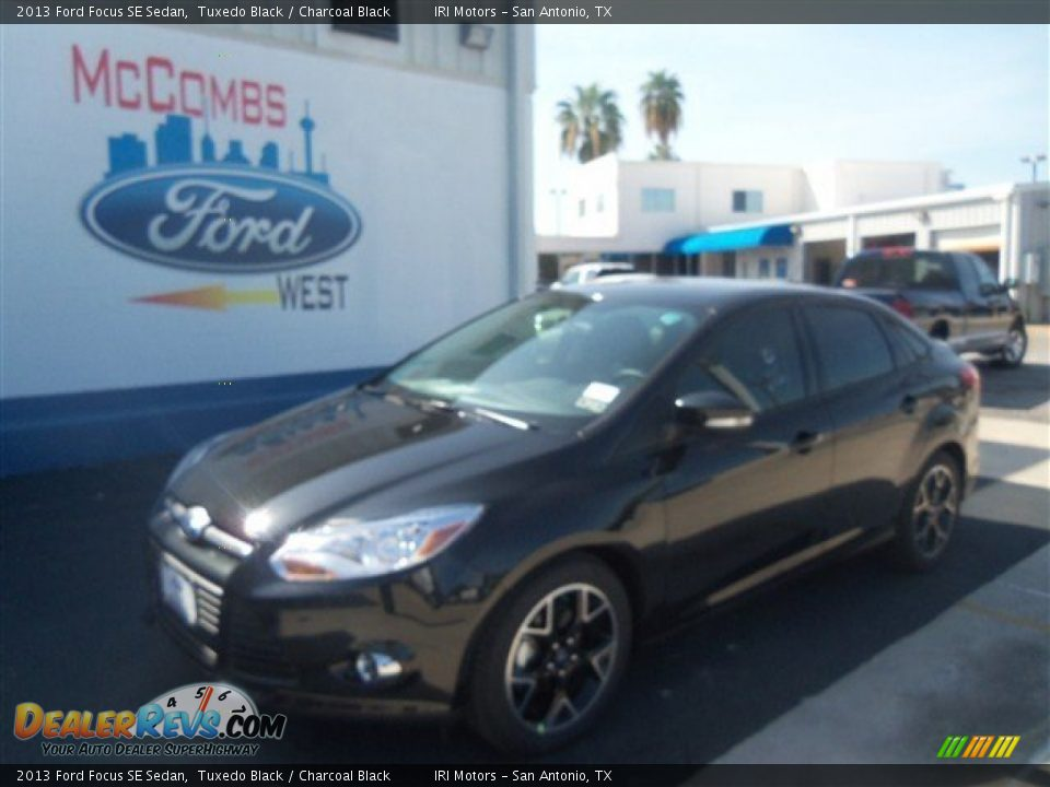 2013 Ford Focus SE Sedan Tuxedo Black / Charcoal Black ...