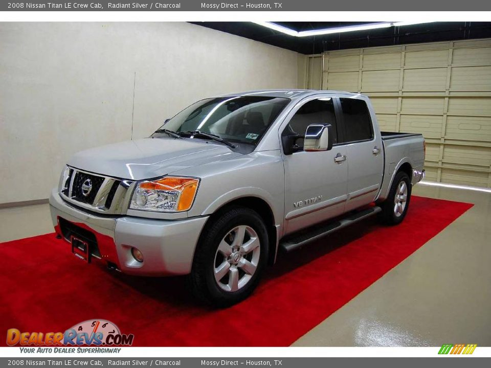 2008 nissan titan le crew cab radiant silver charcoal photo 3. Black Bedroom Furniture Sets. Home Design Ideas