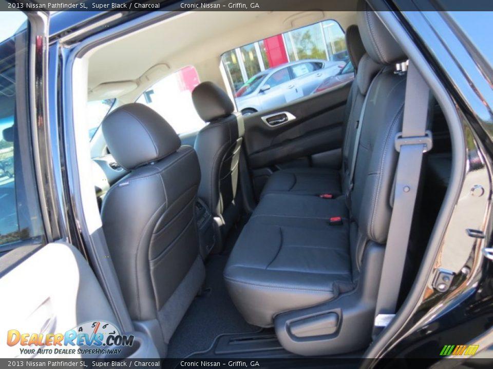 Charcoal Interior 2013 Nissan Pathfinder Sl Photo 11