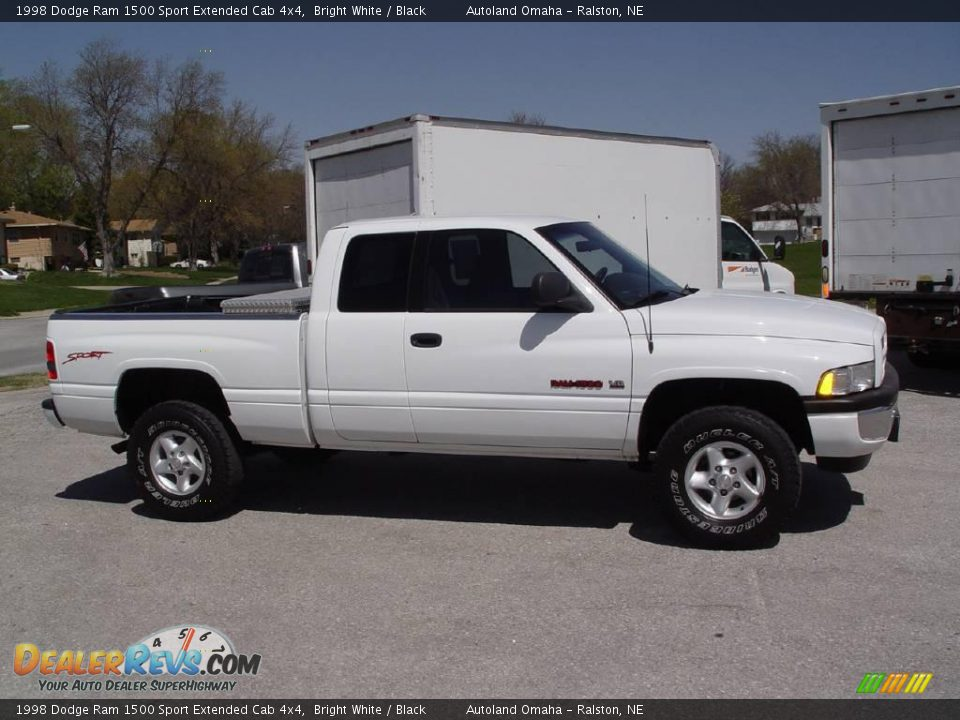 1998 dodge ram 1500 sport extended cab 4x4 bright white black photo 2. Black Bedroom Furniture Sets. Home Design Ideas