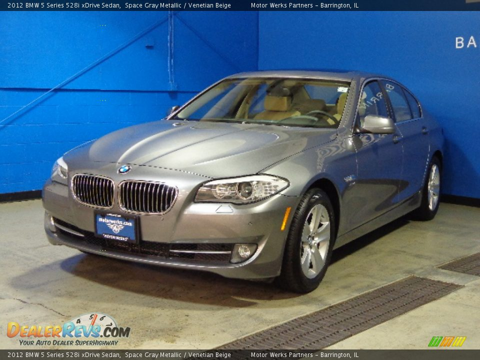 2012 bmw 5 series 528i xdrive sedan space gray metallic venetian beige photo 4. Black Bedroom Furniture Sets. Home Design Ideas