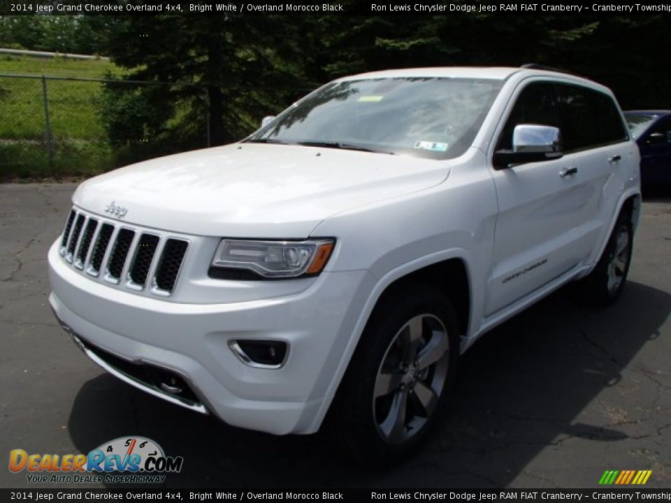 2014 jeep grand cherokee overland 4x4 bright white overland morocco black photo 2. Black Bedroom Furniture Sets. Home Design Ideas